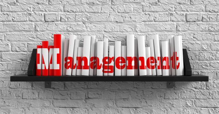Différences entre management opérationnel et management stratégique